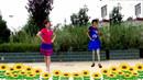 黎灵花广场舞《西海情歌》娟子、夏雨异地合屏版