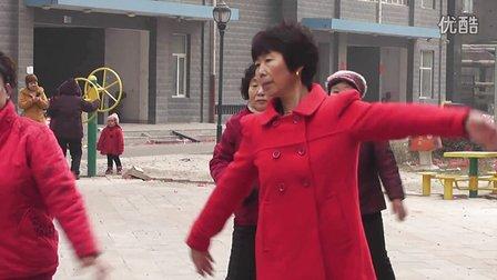小云之恋广场舞《泉水叮咚响》