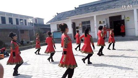 太京镇靳家崖凤舞团队亚虎娱乐,亚虎娱乐app,亚虎777娱乐老虎机《红马鞍》