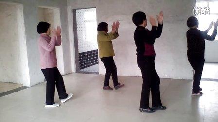山西省阳城县北留镇北村村老年广场舞《火辣辣的情歌》