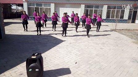 苇莲苏村广场舞小丽队《歌在飞》