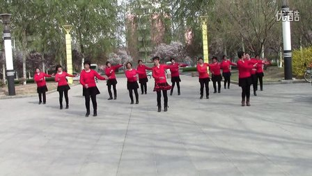 好姐妹广场舞《乌来山下一朵花》