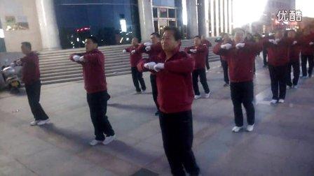杭锦后旗政府广场《快乐舞步》健身操队