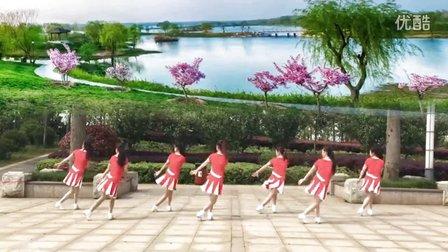 江西鄱阳春英广场舞《爱把我包围》附教学