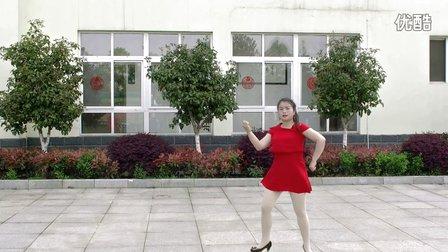 小燕子广场舞《谁是我的郎》