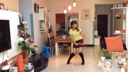 小莉容姐舞队亚虎娱乐,亚虎娱乐app,亚虎777娱乐老虎机《爱我你就把我来追求》