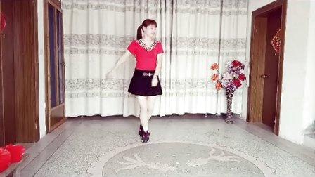 龙游舞媚娘广场舞《歌在飞》