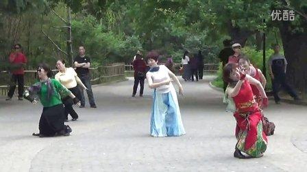 紫竹院相约紫竹广场舞《为你等待》形体舞
