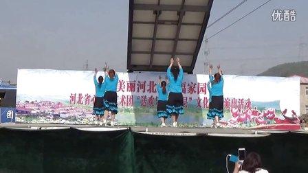 滦平县大屯乡凤娜广场舞《雪山姑娘》