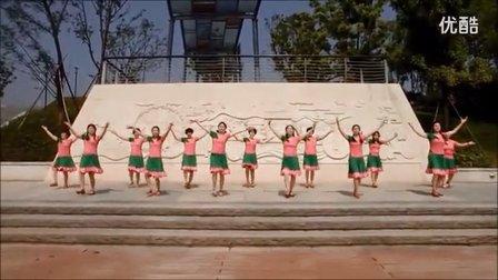 沁雅广场舞集体舞 北京的金山上 高清