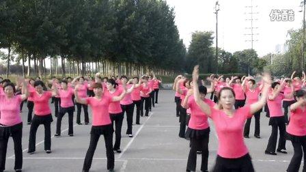 五一直城门舞蹈队 北京的金山上