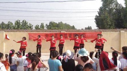 莒县棋山镇三庄村2016六一儿童节亚虎娱乐,亚虎娱乐app,亚虎777娱乐老虎机 张灯结彩