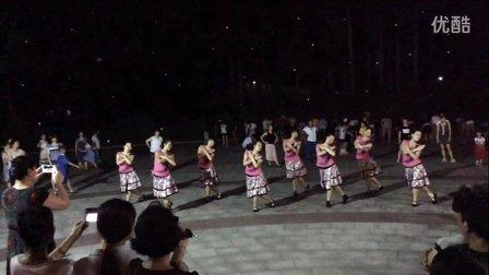 海天羊群广场舞《北京的金山上》