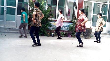齐河仁里乡辛北村大众广场舞 粉红色的回忆