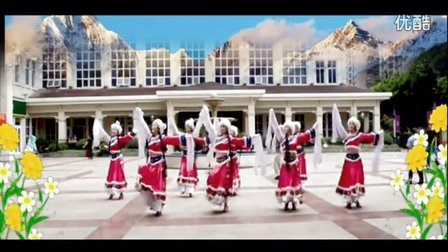 8人变队形广场舞 在北京的金山上