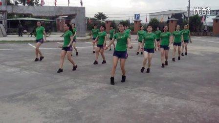 隆都前美动感广场舞 最炫民族风