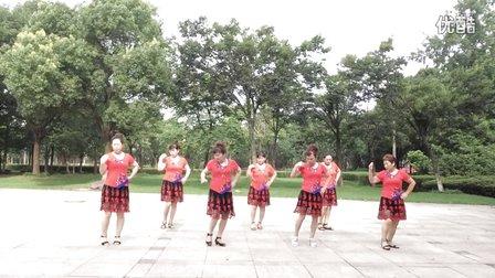 业余爱好阿芳姐妹广场舞《泉水叮咚响》经典歌曲好听好学