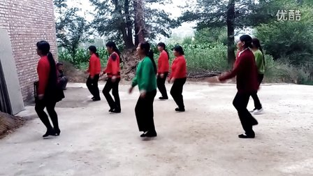 麻坝村祁家中老年人广场舞《南泥湾》
