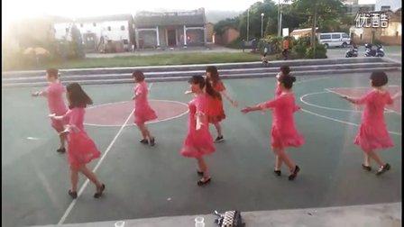 白石上车菲菲广场舞队 很有味道 自由步子舞29步