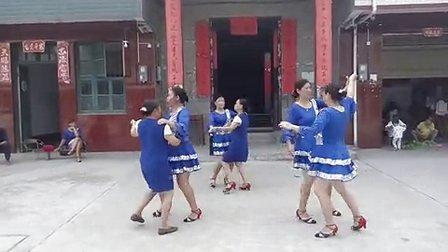 七甲村曹家湾广场舞队 中国歌最美 双人舞