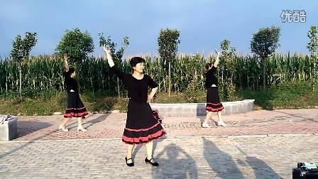 香五里广场舞《爱上草原爱上你》