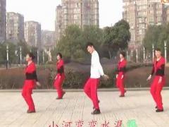 楠楠广场舞《山里红了》
