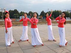 云裳广场舞 《新疆玫瑰》 含背面分解教学