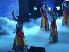 大庆物二舞蹈队 卓玛 歌伴舞