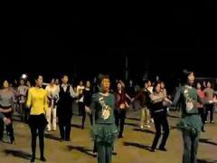 凤凰香香广场舞 《自由自在》 晚上现在版