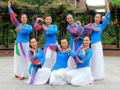北京格格广场舞 阿妈佛心上的一朵莲 正面演示