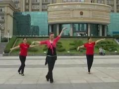幸福天天广场舞《泉水叮咚响》