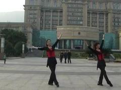 幸福天天广场舞《泉水叮咚响》合作版