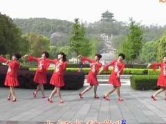 动动广场舞《小河淌水》健身舞 含正反分解教学