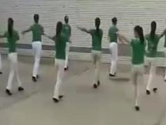 五三广场舞《快乐的玩吧》新疆舞