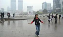小丫广场舞《花蝴蝶》