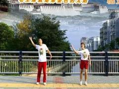 夫妻广场舞《北京的金山上 红歌跳起来》 原创