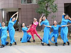 杨丽萍广场舞《邂逅》形体拉伸操 含背面动作分解教学