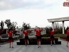 嫣然广场舞 《山里红了》