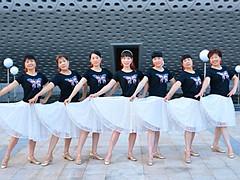 动动广场舞 《天边的故乡》 藏族DJ健身舞 含背面动作分解教学