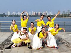 応子广场舞 《在那东山顶上》 藏族热身舞 附教学