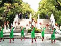 漓江飞舞广场舞 红红大中国 原创新年特献 附教学