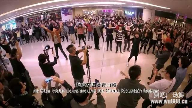 回归社会的中心:大妈们热衷广场舞究竟惹了谁?