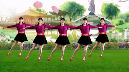 阿真广场舞 大胆告白情歌广场舞 爱我就把我追求 舞友们都在跳